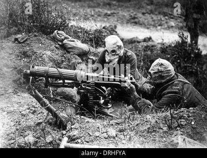 Two British machine gunners, Battle of the Somme, WW1 - Stock Photo