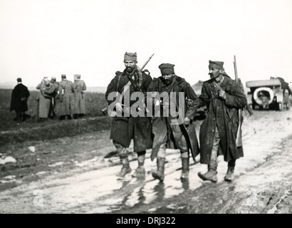 Wounded soldier on muddy road, Macedonian Front, WW1 - Stock Photo