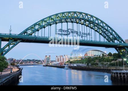 The Tyne bridge and The Sage at dusk, Newcastle on Tyne, England - Stock Photo