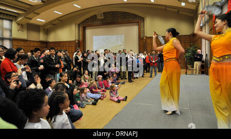 New York, USA. 29th January 2014. The audience enjoy a Chinese traditional dance show during an activity celebrating - Stock Photo