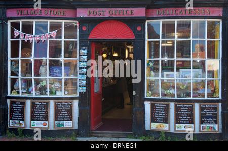 Facade of traditional village shop, Alfriston, County Sussex, England. - Stock Photo