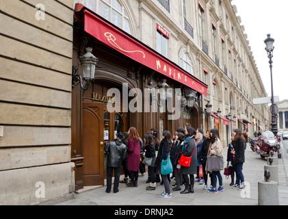 Paris france french haute cuisine restaurant hotel de for Maxim design hotel 3 star