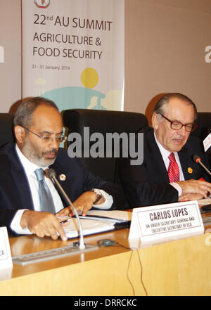 Addis Ababa, Ethiopia. 31st Jan, 2014. Vice UN Secretary General Jan Eliasson (R) and head of the 'Economic Commission - Stock Photo