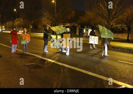Dublin, Ireland. 31st January 2014. Protesters have moved on to the street that runs past the RTE studios, blocking - Stock Photo