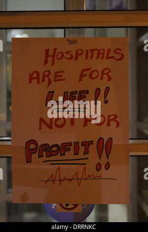 Dublin, Ireland. 31st January 2014. A sign has been put up o the door that reads 'Hospitals are for life!! not for - Stock Photo
