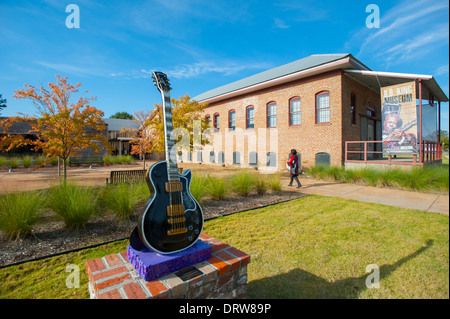 USA Mississippi MS Miss Indianola B B King Museum Blues great musician exterior - Stock Photo