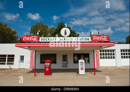 USA Mississippi MS Miss Cleveland - old vintage filling station at Dockery Farms birthplace of Blues crossroads - Stock Photo