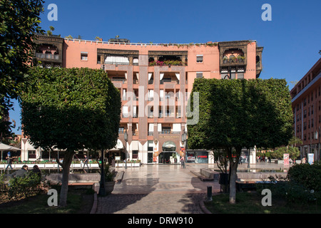 Western style offices in Plaza at Place du 16 Novembre, Gueliz, Marrakech (Marrakesh) - Stock Photo
