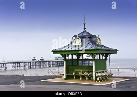 Traditional Victorian shelter on Blackpool seafront promenade, UK. - Stock Photo