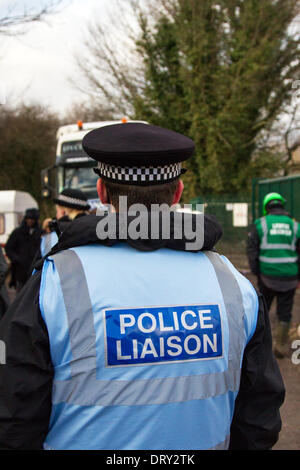 Manchester, Barton Moss, UK. 4th February, 2014. Police Liaison Officers & Protestors at IGAS Drilling Site, Greater - Stock Photo