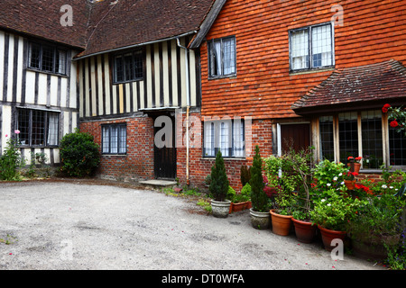 Historic cottages in Leicester Square  , Penshurst , Kent , England - Stock Photo