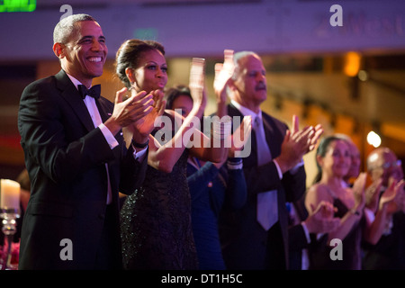 US President Barack Obama, First Lady Michelle Obama, Oprah Winfrey, and Stedman Graham applaud a performance by - Stock Photo