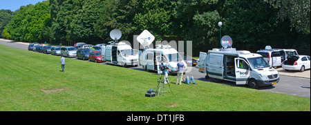 Media crews in grounds of Royal Palace of Laeken (official residence of Belgians King & Queen (monument of the Dynasty - Stock Photo