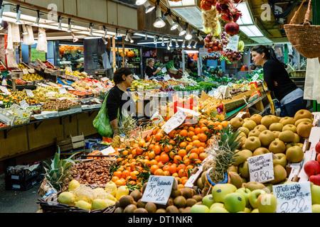 Mercato Orientale (Eastern Market), Genoa, Liguria, Italy, Europe - Stock Photo