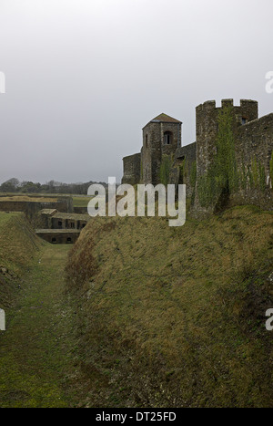 Tresurers Tower at right, then Godsfoe Tower & link to Medieval Tunnels at the foot of the moat. - Stock Photo