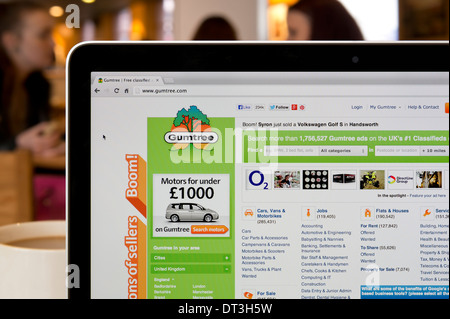 The Gumtree website shot in a coffee shop environment (Editorial use only: print, TV, e-book and editorial website). - Stock Photo