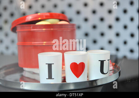 Oxford Street, London, UK. 9th February 2014.  Valentine's Day themed shop window on Oxford Street. Credit:  Matthew - Stock Photo