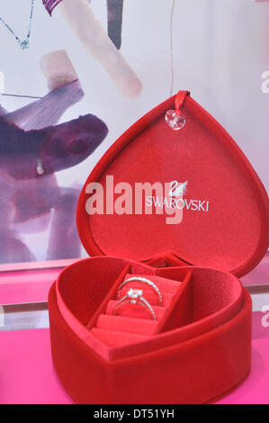 Regent Street, London, UK. 9th February 2014. Swarovski, Valentine's Day themed shop window on Regent Street. Credit: - Stock Photo