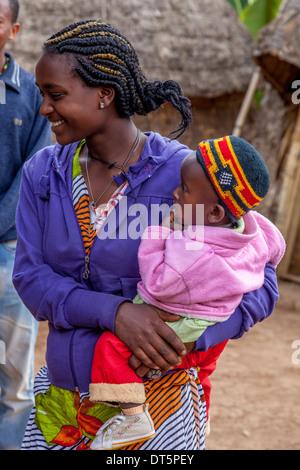 A Dorze Woman and Child, Hayzo Village, Arba Minch, Ethiopia - Stock Photo
