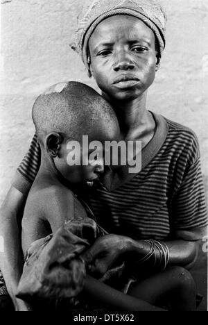 displaced mother and child in Sierra Leone - Stock Photo