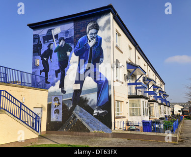 Ireland, Derry, The People's Gallery series of murals in the Bogside, Mural known as The Runner. - Stock Photo