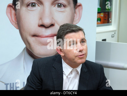 Lee Evan Comedian and Entertainer Asda Derby - Stock Photo