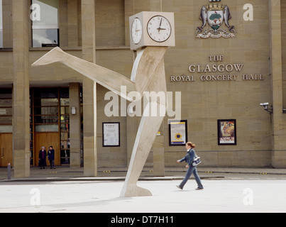 George Wylie's Running Clock Killermont Street Glasgow - Stock Photo
