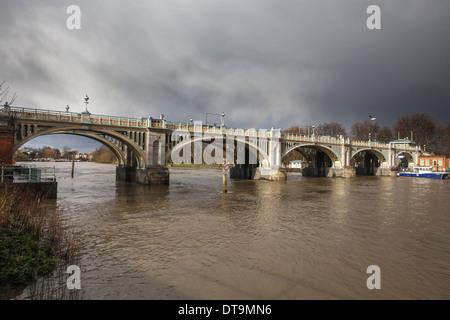 Richmond Lock on The River Thames,Twickengham,West London,England - Stock Photo