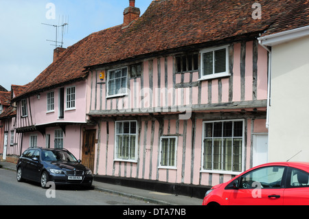 Pink washed timberframed houses in Water Street, Lavenham, Suffolk. - Stock Photo