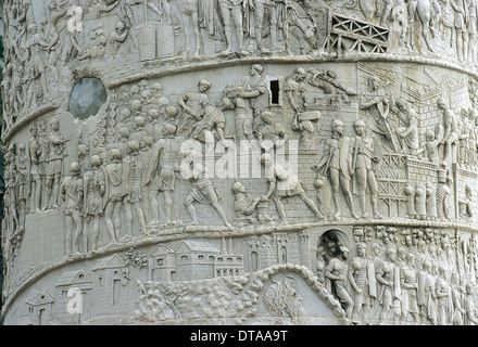 Rome. Trajan's Column, 2nd century AD. Erected to commemorate the victory of Emperor Trajan in the Dacian Wars. - Stock Photo