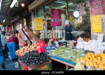 A chinese grocery market in chinatown manhattan new york for Outdoor food market