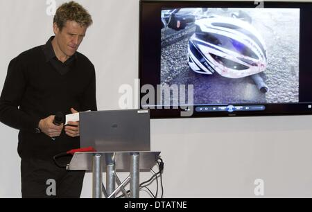 London, UK. 13th Feb, 2014. British Olympic rower James Cracknell talks about his adventures to the South Pole and - Stock Photo