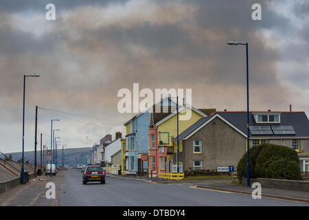 Borth, near Aberystwyth, Wales, UK.  14th Feb, 2014. The seaside village of Borth on the edge of Cardigan Bay, already - Stock Photo