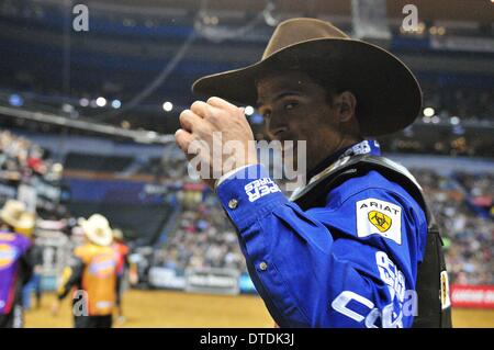 St. Louis, Missouri, USA. 15th Feb, 2014. February 14, 2014: Rider Eduardo Aparecido during the Professional Bullriders - Stock Photo