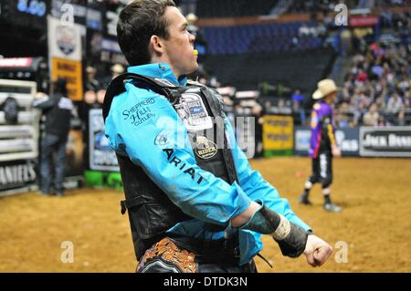 St. Louis, Missouri, USA. 15th Feb, 2014. February 14, 2014: Rider Matt Triplett during the Professional Bullriders - Stock Photo