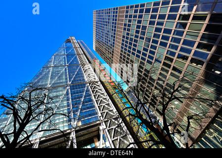 122 Leadenhall Street is an address on Leadenhall Street in London where the 225 m (737 ft) tall Leadenhall Building - Stock Photo