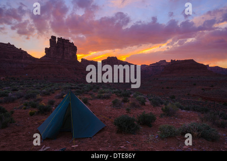 Camping in the Valley of the Gods, Utah, USA - Stock Photo