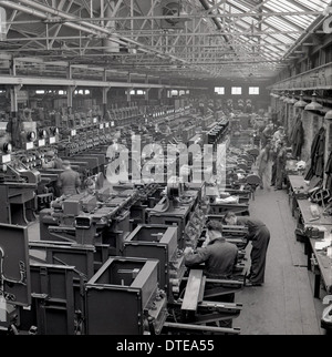 1950s. Historical image showing the factory floor of A Reyrolle & Company, a large engineering firm in Hebburn, - Stock Photo