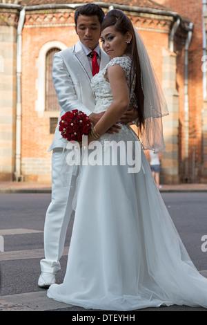 Notre Dame Cathedral / Wedding Couple, Ho Chi Minh City (Saigon ...