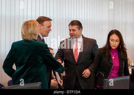 Berlin, Germany. February 17th, 2014. SPD party leadership meeting at Willy Brandt Haus in Berlin. / Picture: Hannelore - Stock Photo