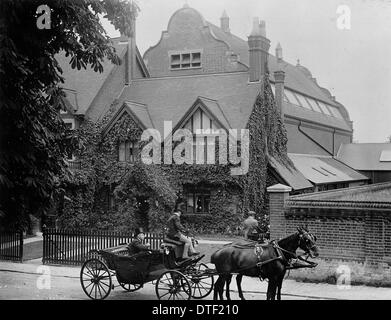 The Natural History Museum at Tring, photographed in 1899 - Stock Photo