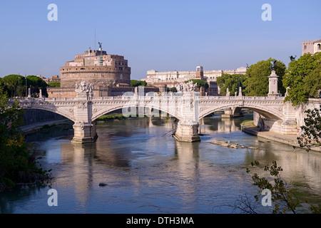 Vittorio Emanuele II bridge over the Tiber river - Stock Photo