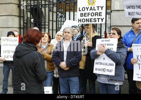 Dublin, Ireland. 19th February 2014. United Left Alliance TD (Irish member of parliament) Joan Collins (l) addresses - Stock Photo