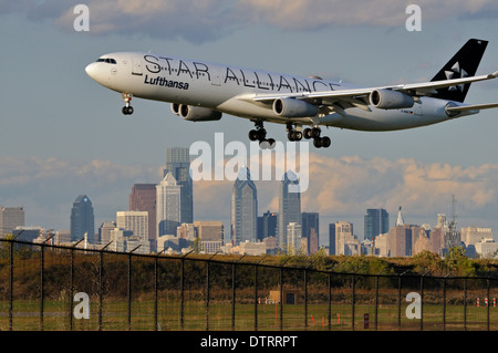 Air travel at Philadelphia International Airport in Philadelphia, Pennsylvania. - Stock Photo