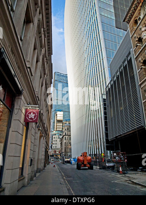 20 Fenchurch Street (The Walkie-Talkie) showing the Leadenhall Building in distance, City of London, England, UK - Stock Photo