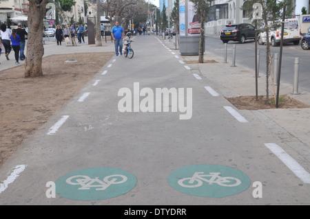 Bicycle lane Israel, Tel Aviv, Rothschild Boulevard - Stock Photo