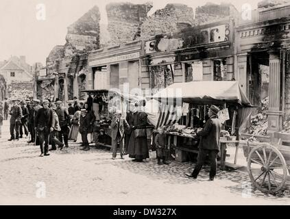 Market stands are set up during the battle negotiations between the German and Russian troops after the Battle of - Stock Photo