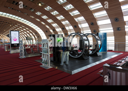 charles de gaulle airport terminal 1 paris airport shuttle roissy stock photo 67001033 alamy. Black Bedroom Furniture Sets. Home Design Ideas