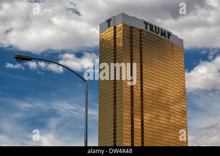 The Trump hotel Las Vegas.This 64 story hotel has exterior windows coated in 24 carat gold - Stock Photo