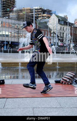 Free-Runner And Street Dancer. - Stock Photo